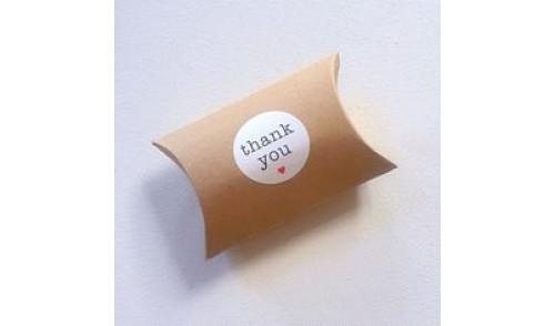 Jastuk kutije sa stikerom - dimenzije po želji!